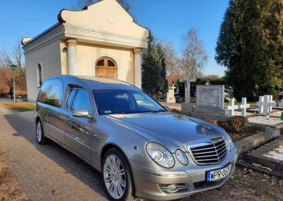 karawan Mercedes Benz