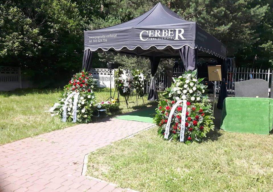 Pogrzeb na cmentarzu w Warszawie – odpowiedź na często zadawane pytania